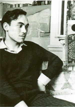 Jean Sénac, été 1951. Photographie de T. Saulnier. (Collection Bibliothèque de l'Alcazar, Marseille)..jpg