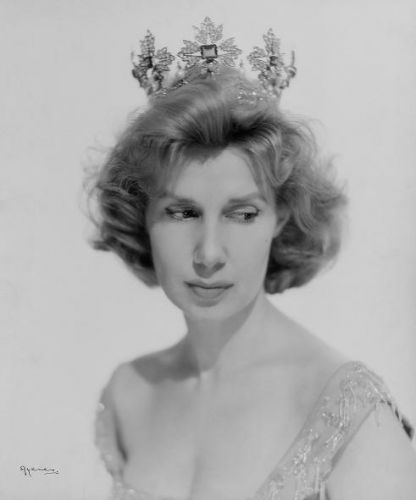 fotografia-de-la-duquesa-de-alba-1956-juan-gyenes-biblioteca-nacional.jpg