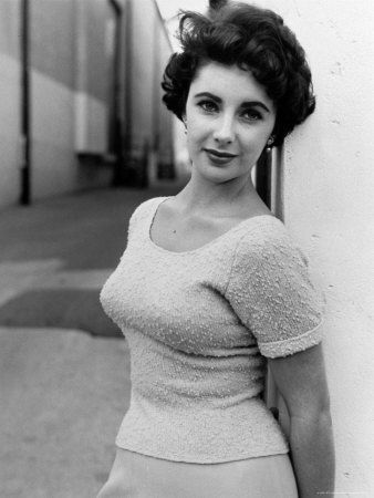 165176~Elizabeth-Taylor-Outside-of-Sound-Stages-during-Filming-of-A-Place-in-the-Sun-Posters.jpg
